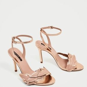 Zara HIGH HEEL SANDALS WITH LEAF DETAIL-6560/201